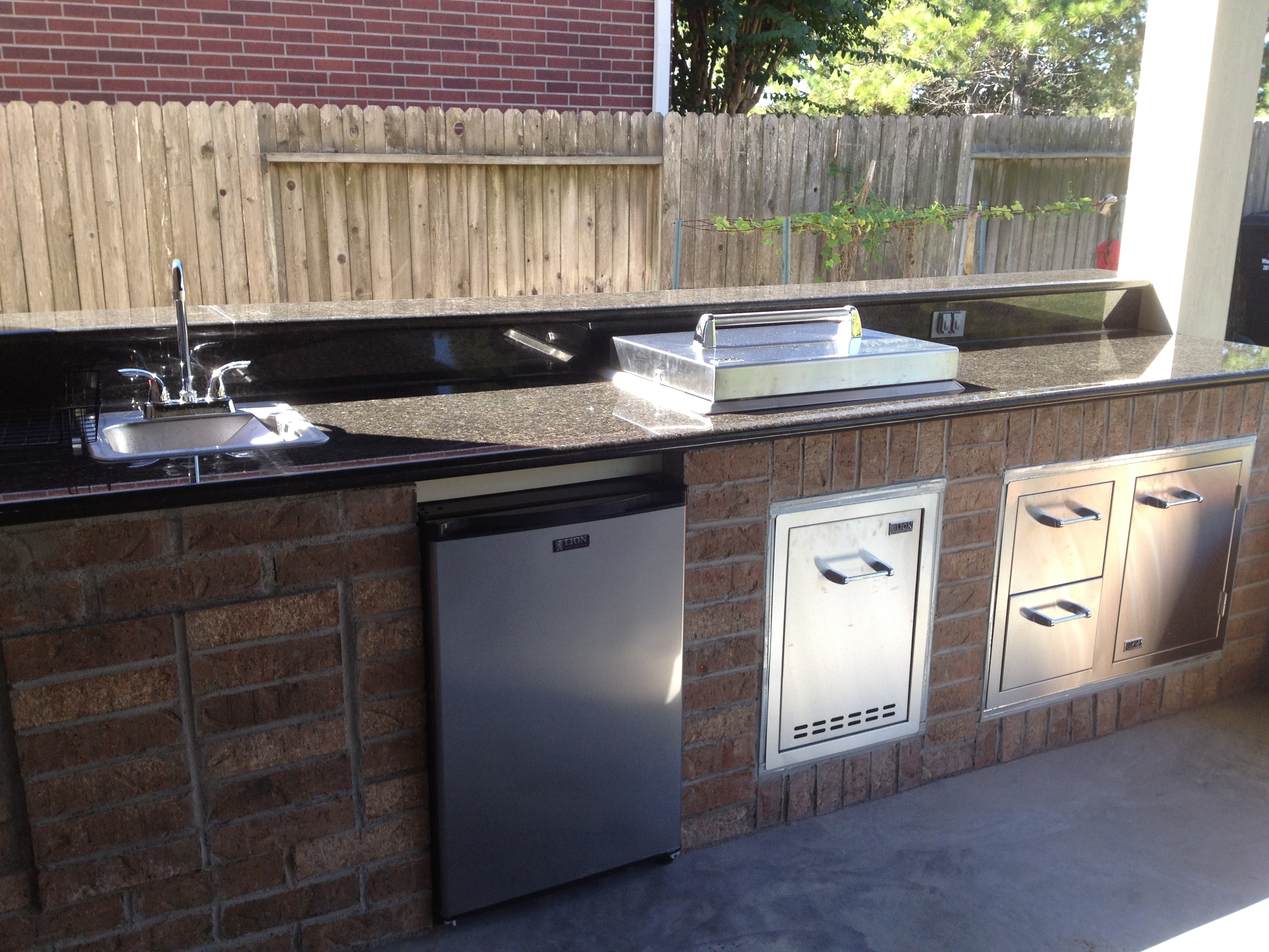 Outdoor kitchens houston texas 281 865 5920 Outdoor kitchen cost estimator