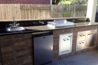 patel-outdoor-kitchen-up-close-small